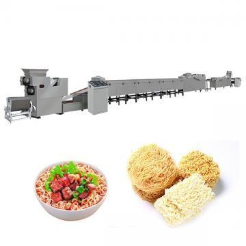 Pequena máquina de macarrão instantâneo